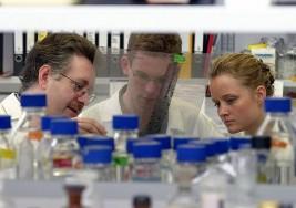 Científicos suizos avanzan en rehabilitación de parálisis