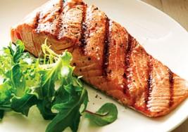 Para tener un embarazo saludable, come salmón