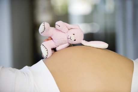 Prevención de defectos congénitos durante la gestación