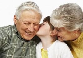 """Atención abuelos: 12 formas de """"marcar la diferencia"""" para su nieto con autismo"""