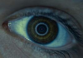 Desarrollan lentes de contacto telescópicas con zoom de 2.8x que espera poder ayudar a personas con deficiencia visual
