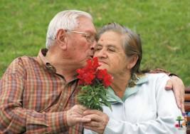 Elaboran guía de salud para adultos mayores