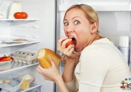 ¿Por qué a veces nos entra un voraz apetito por la noche?