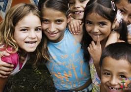 Barreras culturas dificultan detección de autismo temprano en niños latinos