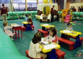 Guarderías públicas rechazan a niño con parálisis cerebral