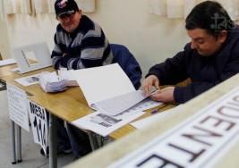 Madre de joven con síndrome de Down designado vocal de mesa en Chile acusa falta de información para excusarlo