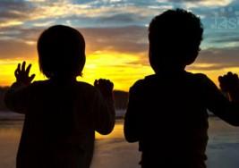 ¿Por qué los niños con autismo evitan el contacto visual?