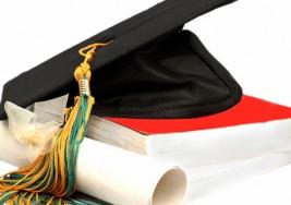 Una estudiante con parálisis cerebral se gradúa en psicología y representa a todos los alumnos de su promoción