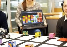 Logran que 15 niños con parálisis cerebral se comuniquen gracias a una  tecnología económica