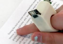 """¿Adiós al Braille? """"FingerReader"""" ayuda a los invidentes a leer libros impresos"""