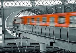 Marchan por propuesta de trabajo invidentes que solían trabajar en el Metro de la Ciudad de México