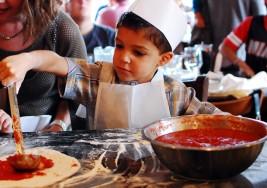 Jóvenes con autismo aprenden a hacer pizzas y amplían sus posibilidades de inserción socio-laboral