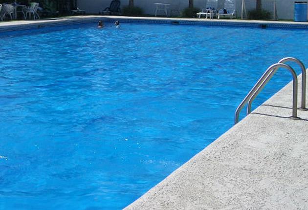 Accidente o descuido ni o con s ndrome de down de 14 for Descuidos en la piscina
