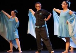 Bailarines con síndrome de Down triunfan en el Teatro Romea