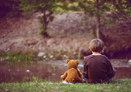 Programa de atención a estudiantes con autismo en Bolivia inscribe a 220 niños con esta condición