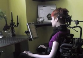 Ingeniero mexicano crea dispositivo que ayuda a las personas con parálisis cerebral