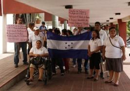 Pacientes con esclerosis múltiple de San Pedro Sula exigen medicamentos