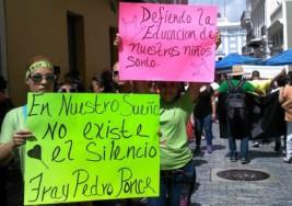 Protestan portorriqueños por la situación que viven niños autistas en las escuelas