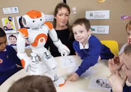 Crean robots que ayudan a los niños con autismo