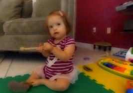 Niña con Sindrome de Down es modelo al año de edad