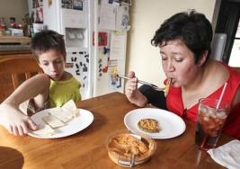 Linda y su hijo Timmy nacieron con el síndrome de Holt-Oram
