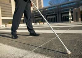 Los 'ciegos' de la ONCE vuelven a la calle para denunciar los abusos de la dirección