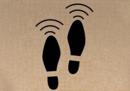 Crean zapatos para ciegos con sensores ultrasónicos que detectan objetos