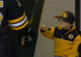 Un niño con sindrome de Down revoluciona You-Tube en un partido de hockey