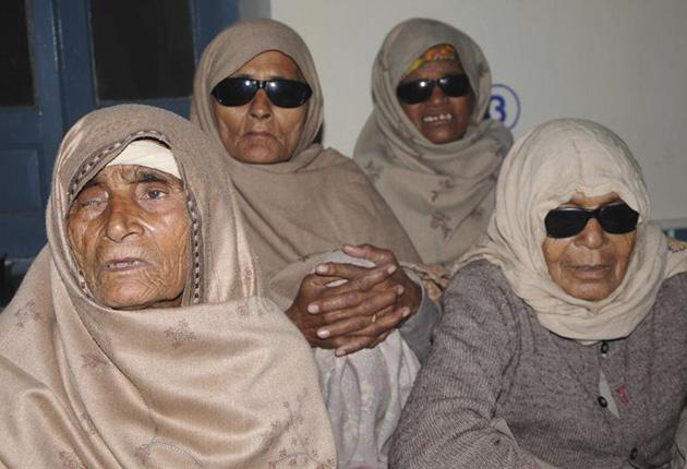 India: los operan de cataratas y se quedan ciegos