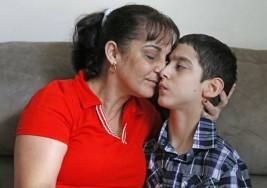 Un nuevo comienzo para niño cubano con parálisis cerebral y su familia