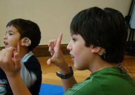 Habilidades sociales para estudiantes con deficiencia auditiva