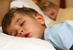 Niños que se hacen pis en la cama, ¿Cuándo acudir a un especialista?