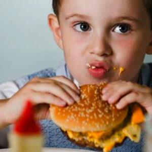 La comida basura hace sacar malas notas