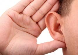 ¿Qué hace que la gente sea sorda?