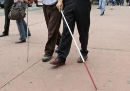 Crean científicos del IPN lentes con cámaras y GPS para débiles visuales