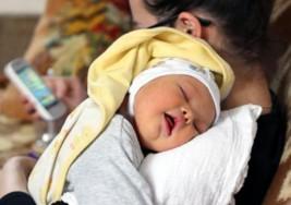 Un padre se niega a renunciar a su bebé con Síndrome de Down aunque le cuesta el divorcio