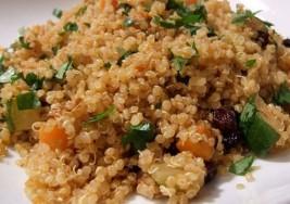 Lunes sin carne: Quinoa con pasas, zanahoria y calabacín
