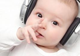 Cómo saber si mi bebé oye bien