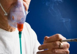 Hombres fumadores son más propensos a desarrollar osteoporosis: Estudio