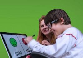 App que muestra emociones de sordos y ciegos