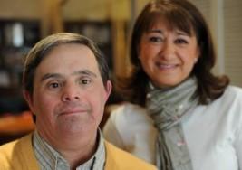Tiene síndrome de Down, vive solo y viaja a EE.UU. a contar su historia