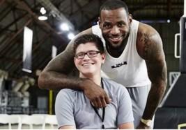 El gran invento de Nike para un niño con parálisis cerebral