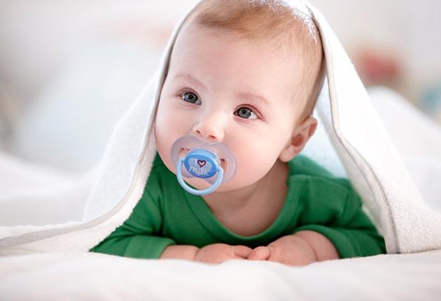 Estudian cómo los bebés ciegos ubican los sonidos y sus reflexiones