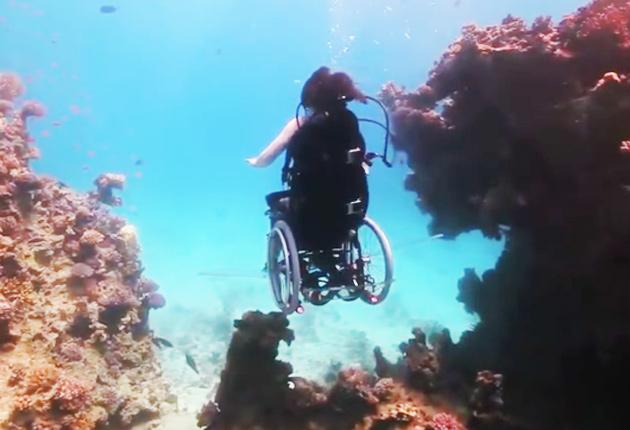 Buceo artistico en silla de ruedas