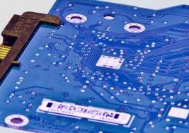 Crean un microchip para tratar la esclerosis múltiple y el cáncer