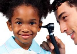 No tratar la sordera parcial infantil tiene consecuencias