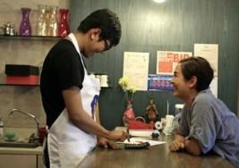 Los padres que abrieron un café sólo para su hijo con autismo