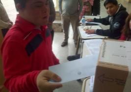 Un joven con síndrome de Down votó por primera vez