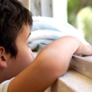 Niño con autismo.