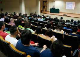 Curso y conferencia para padres de niños con sordera